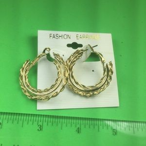 🛍 3 for $10 🛍 Gold Tri-hoops post w/Snapback K23